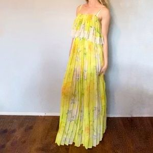 KIMCHI BLUE pleated Yellow floral maxi